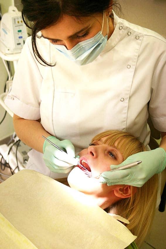 Licówki i wybielanie zębów w Będzinie